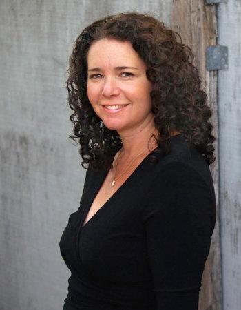 Photo of Amy Ettinger