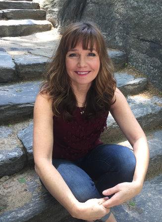 Photo of Heather Lloyd
