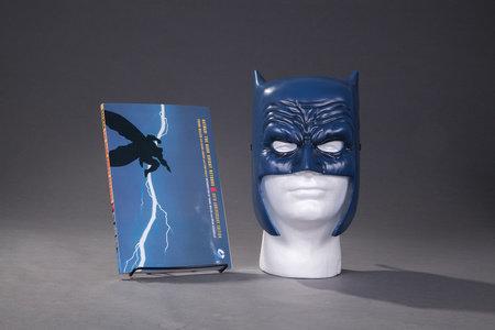 Batman: The Dark Knight Returns Book & Mask Set by Frank Miller and Lynn Varney